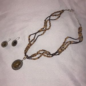 3/$15 Brown necklace and earrings